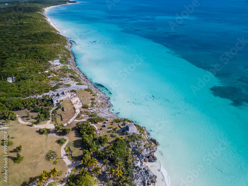 Keuken foto achterwand Tropical strand Ruins of Tulum, Mexico overlooking the Caribbean Sea in the Riviera Maya Aerial View. Tulum beach Quintana Roo Mexico - drone shot. White sand beach and ruins of Tulum.