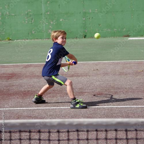 jeune tennisman