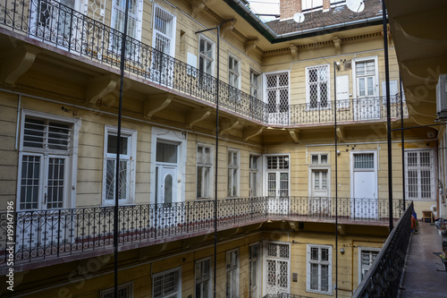 Canvas Boedapest Historical courtyard in Budapest, Hungary