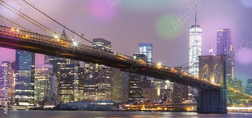 Foto Murales View of Brooklyn Bridge by night, NYC.