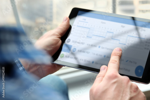 driver writing electronic log books