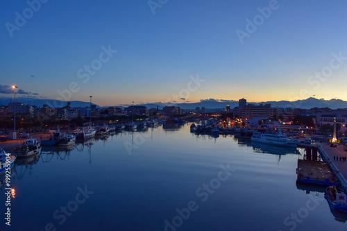 Piękny widok z mostu Pescara