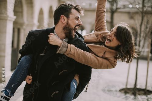 Foto Murales Loving couple walking and having fun in Budapest, Hungary