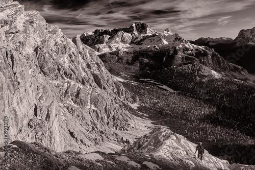 Fotobehang Donkergrijs Pomagagnon, Dolomiten