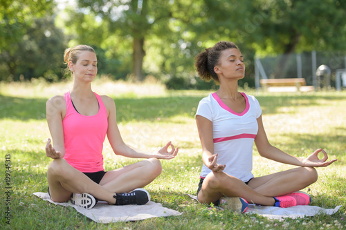 Foto op Aluminium School de yoga woman doing yoga outdoor