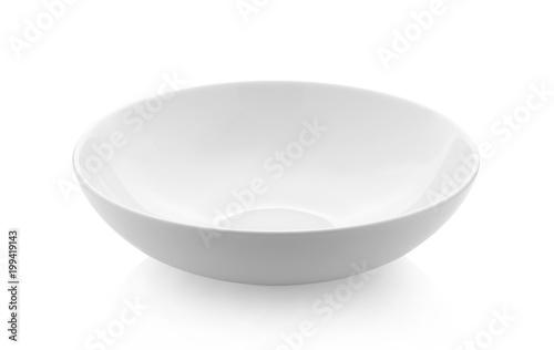 pusta biała miska na białym tle