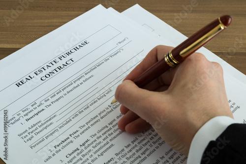 Umowa o nieruchomości. Inwestycje w nieruchomości i kredyty hipoteczne. Będąc łatwym właścicielem domu do wynajęcia. Ryzyko związane z nieruchomościami. Koncepcja kredytu hipotecznego.