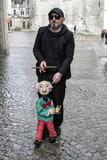 Marionnettiste et sa marionnette - 199544763