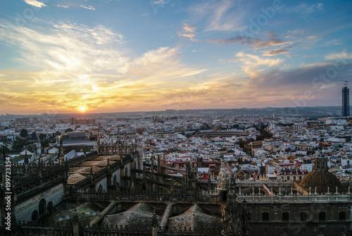 Foto Murales Atardecer en la gran ciudad de Sevilla en Andalucia