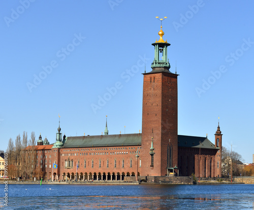Foto op Aluminium Stockholm Stockholm City Hall (1923), building of Municipal Council for City of Stockholm in Sweden. It stands on the eastern tip of Kungsholmen island