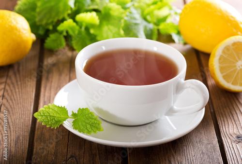 filiżanka herbaty z miętą