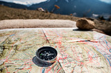 Orientarsi con la bussola in montagna - 199814933