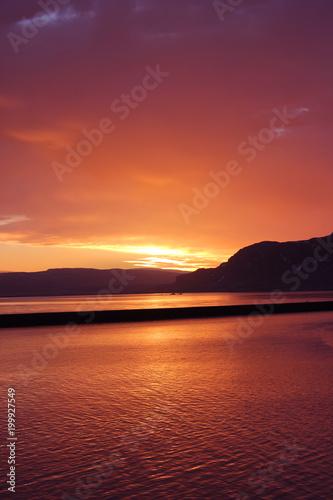 Poster Crimson Island Sonnenuntergang