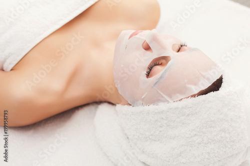 Maseczka do twarzy, zabiegi kosmetyczne spa, produkty do pielęgnacji skóry