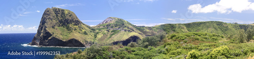 Foto op Plexiglas Panoramafoto s Kahakuloa Head, Maui Hawaii, panoramic with cilffs and lush tropical foliage