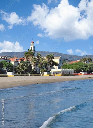 Fotobehang Liguria der beliebte Badeort Diano Marina an der Italienischen Riviera,Ligurien,Italien