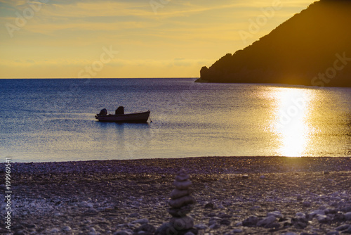 Foto op Plexiglas Ochtendgloren Sunrise or sunset over sea surface