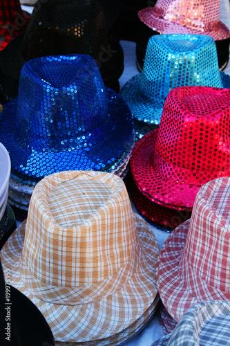 Sticker chapeaux très colorés à marrakech