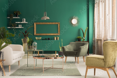 Foto Murales Green and gold living room