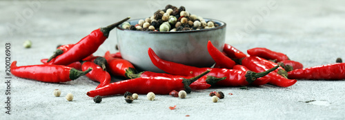 Fotobehang Hot chili peppers red hot bird chili pepper with pepper corns