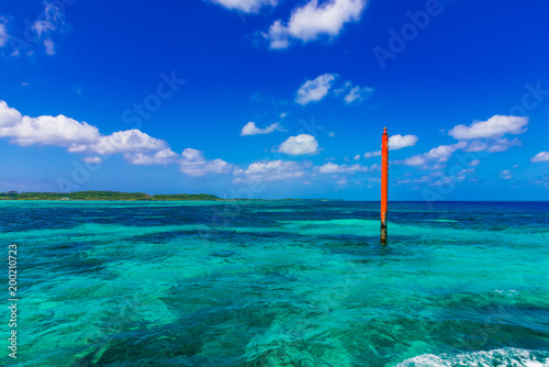 Foto op Plexiglas Donkerblauw 宮古島の海