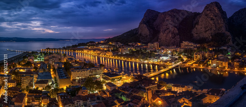 Foto op Plexiglas Panoramafoto s Sunset in Omis Croatia