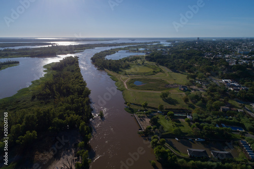 Aluminium Rio de Janeiro Orilla del Río Parana y zona de islas desde un drone