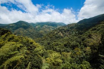 Blue mountains in der Karibik auf Jamaika © ajlatan