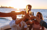 Sunset boat party with drinks - 200285548