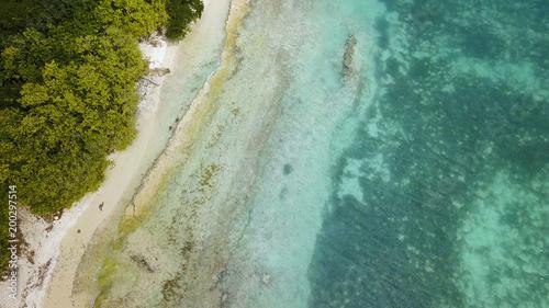 lagon en vue aérienne