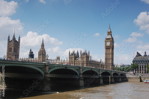 Fotobehang Londen Big Ben near a bridge.