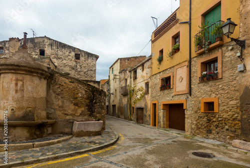 Foto op Plexiglas Smal steegje Narrow streets of Monblanc