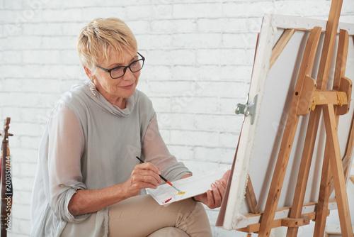 Malująca dama