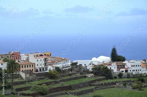 Fotobehang Khaki Stadtansicht von Agulo, Gomera
