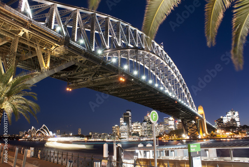 Fotobehang Bruggen Sydney Opera House and Harbour Bridge