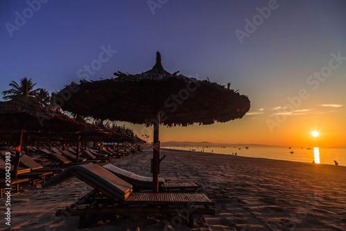 In de dag Ochtendgloren Schöne Sonnenaufgang am Strand von Mui Ne. Vietnam.