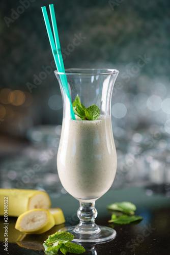 Fotobehang Milkshake healthy banana smoothie