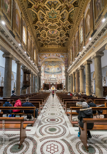 Foto op Plexiglas Rome Interior of the Basilica of St Mary in Trastevere