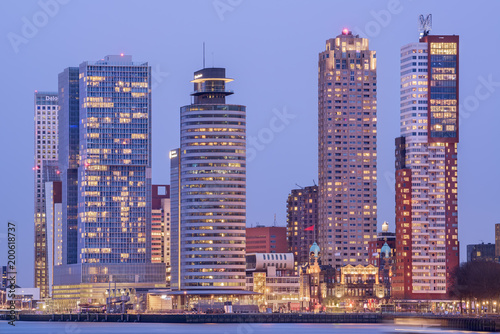 Keuken foto achterwand Rotterdam Rotterdam skyline at dusk.