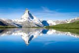 Fototapety Stellisee und Matterhorn in den Schweizer Alpen bei Zermatt