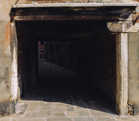 Dark and mysterious alleyway in Venice's Jewish Ghetto. © Alexandre Rotenberg