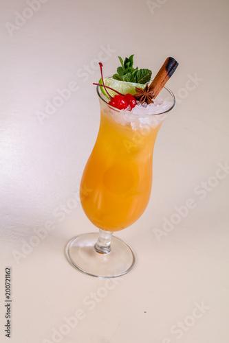 In de dag Ochtendgloren Tequila sunrise cocktail