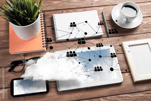 Komunikacja społeczna i koncepcja globalnej sieci