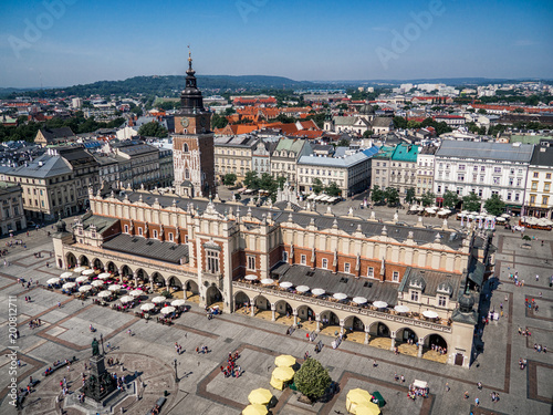 Canvas Krakau Old city center view with Cloth Hall in Krakow