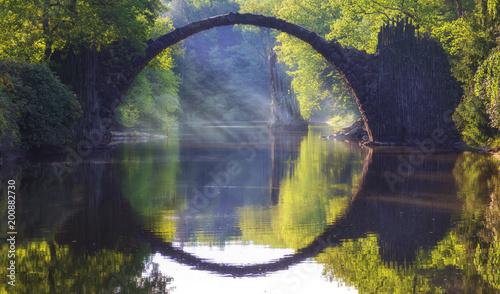 Fotobehang Bruggen Devils Bridge in Kromlau.