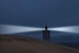 Surrealer Leuchtturm auf der Düne an der Nordsee - 200884382
