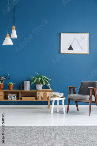Szary i niebieski salon