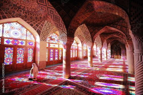 イラン シラーズのピンクモスク