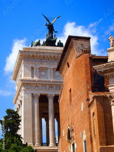 Pomnik narodowy Wiktora Emanuela II, Bazylika św. Marii d'Araquelie. Rzym, Włochy.