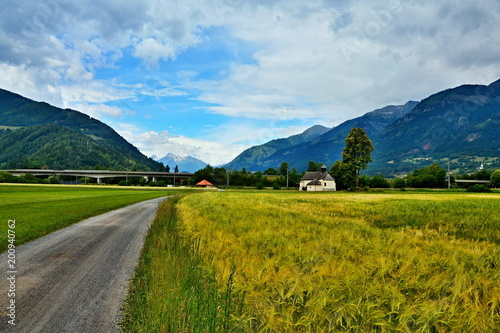Austriackie Alpy - widok na kaplicę St.Magdalena
